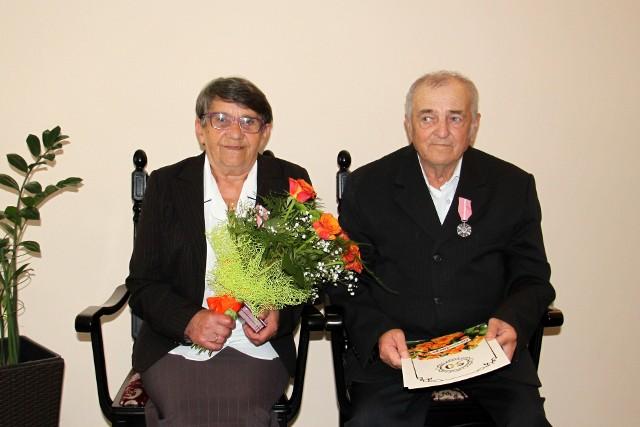W kijewskim USC kilka par świętowało 50-lecie pożycia małżeńskiego. Na zdjęciu państwo Badon