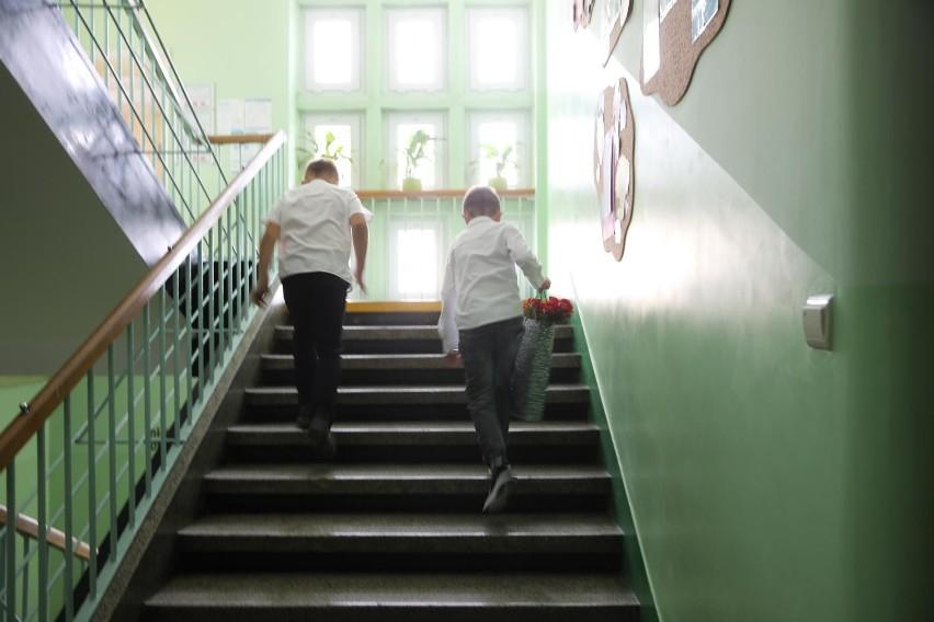 Jak będzie wyglądał powrót uczniów do szkół 1 września 2021...
