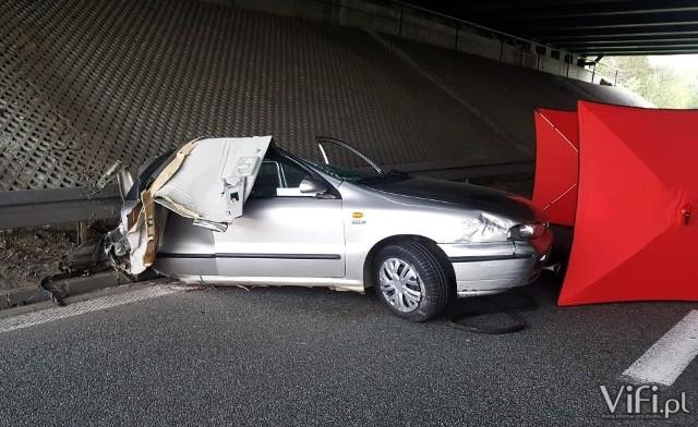 W tragicznym wypadku zginęła 29-letnia kobieta. Nie miała prawa jazdy