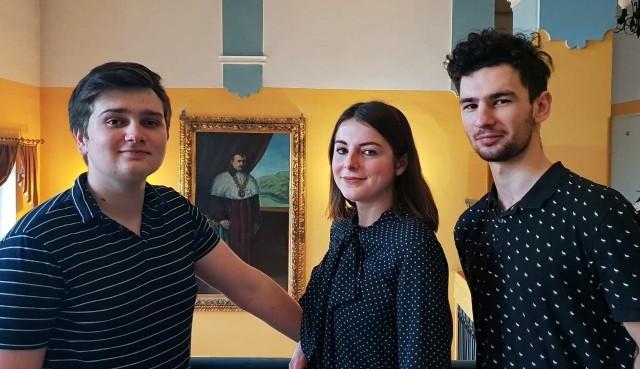 Na zdjęciu od lewej: Jakub Balmowski, Małgorzata Puła i Kamil Szałecki
