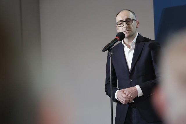 W maju Karol Klimczak wraz z premierem Mateuszem Morawieckim brali udział w spotkaniu poświęconym rozwojowi piłki nożnej w Polsce.