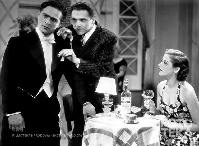 """Helena Grossówna, Eugeniusz Bodo i Adolf Dymsza w jednej ze scen filmu """"Paweł i Gaweł"""" z 1938 roku"""