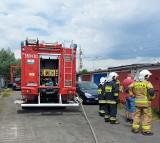 Pożar w Gorzycach. Mężczyzna z oparzeniami został przewieziony do szpitala