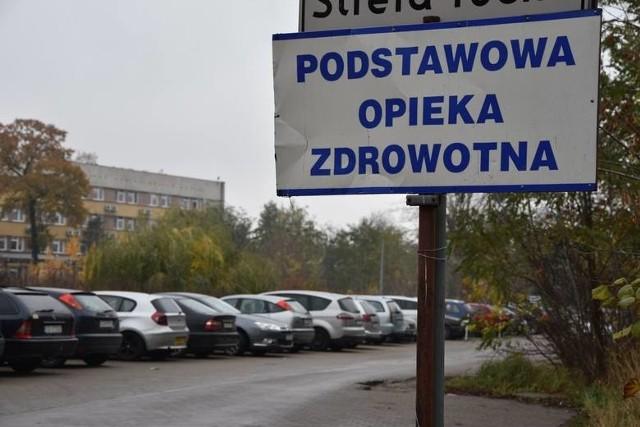 POZ mieści się przy ul. Szpitalnej w Grudziądzu. Należy do niego około 7 tysięcy pacjentów.