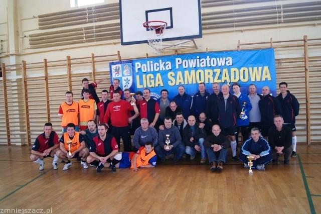 Uczestnicy turnieju samorządowej ligi.