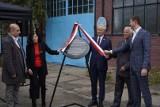 Święto Wolności w Gdańsku. Odsłonięcie tablicy w miejscu, gdzie pracował Lech Wałęsa. Zdjęcia