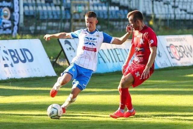 Hutnik Kraków jednak zagra w II lidze. Na zdjęciu fragment meczu z Wisłą Sandomierz.