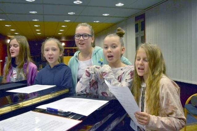 Młodzi wokaliści mają przed sobą pięć warsztatów.