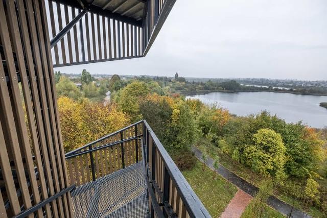 Budowa wieży na Szachtach w Poznaniu została zgłoszona do Poznańskiego Budżetu Obywatelskiego 2016. W 2018 roku zakończyła się realizacja projektu