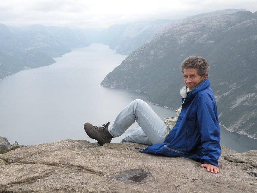 Młodzież już 20 lat podróżuje po Europie. Prowadzi ją Jadwiga Szczuka