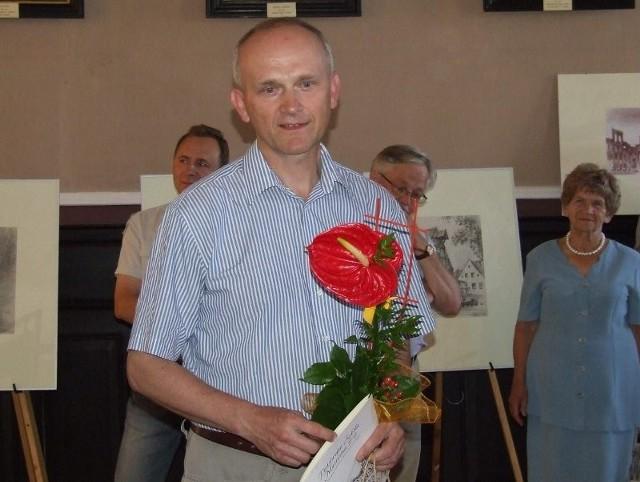 Piotr Gawłowski w muzeum podczas otwarcia wystawy