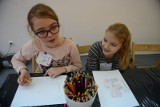 Trwają zapisy na zajęcia pozalekcyjne dla uczniów w regionie. Można uczyć się tańca, malować czy trenować sport