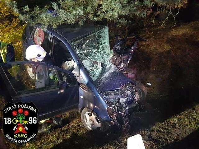 Nowy Tomyśl: Tragiczny wypadek pod Bukowcem. Jedna osoba nie żyje.Zobacz kolejne zdjęcie --->