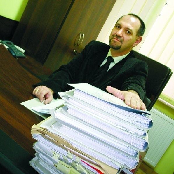 """Prokurator Bogusław Dukacz z łożyńskiej prokuratury nadzoruje śledztwo w sprawie firmy """"Euromaster"""", która okazała się grupa przestępczą."""