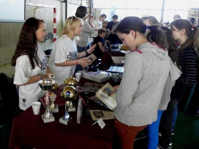 Giełda szkół odbyła się już w Radzyniu Chełmińskim. Zaprezentowało się 18 placówek m.in. z Grudziądza i Wąbrzeźna