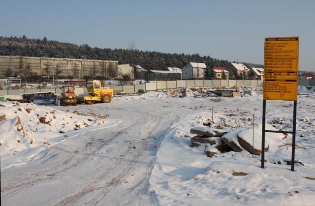 Przy ulicy Radomskiej w Kielcach rozpoczęły się już prace przy budowie nowego salonu Forda. fot. A. Piekarski