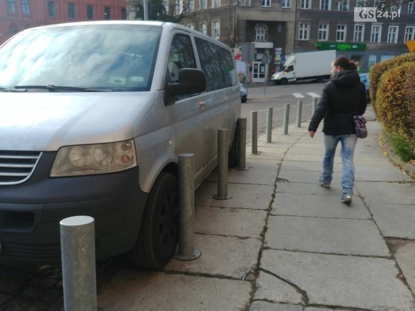 Mistrzowie parkowania na Podzamczu - 28 listopada 2019....