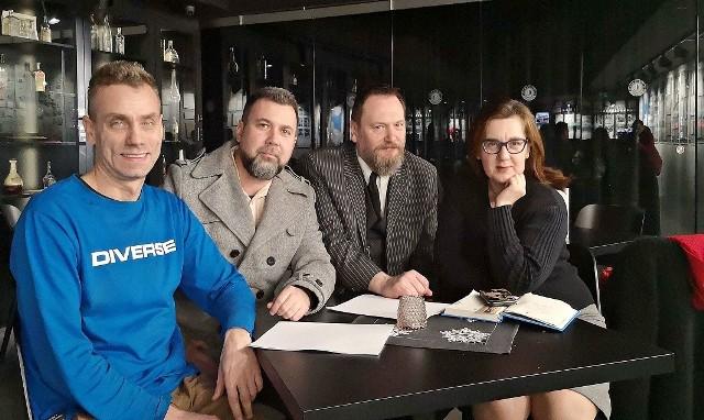 Praca przy filmie i książce dała im dużo radości (od lewej): Mirosław Ganobis, Witold Saganiak, Tomasz Klimczak i Iwona Mejza