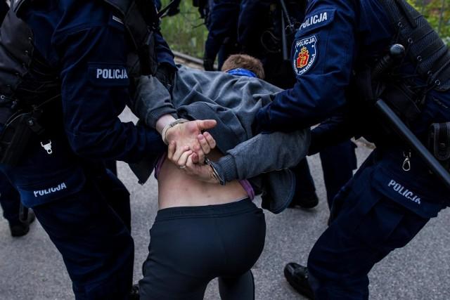 39-letniego złodzieja recydywistę zatrzymał 14-latek z powiatu wąbrzeskiego, z jeszcze młodszymi kolegami. Później złodzieja przejęli policjanci