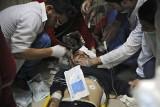 W ataku chemicznym w Syrii zginęło 70 osób. Medycy alarmują, że użyto gaz bojowy Sarin. Syria i Rosja oskarżają o fabrykowanie informacji