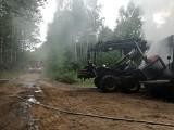 Górka. Pożar maszyn do wycinki drzew. Harvester i Forwarder spłonęły na terenie Nadleśnictwa Krynki (zdjęcia)