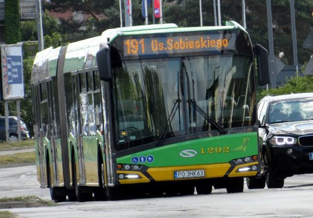 Z powodu incydentu autobus musiał się zatrzymać na 50 minut.