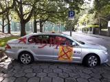 Zniszczona taksówka w Szczecinie. Kogo przestraszyła oferta najniższej ceny