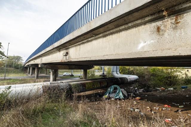 Pod znakiem zapytania staje duża inwestycja - przebudowa wiaduktu, która miała, zdaniem władz miasta, usprawnić ruch na wiadukcie w ciągu ul. Kurlandzkiej, nad ul. Bolesława Krzywoustego.