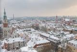 Tak wygląda panorama Poznania w zimowej scenerii. Zobacz zdjęcia zrobione z wieży Zamku Przemysła