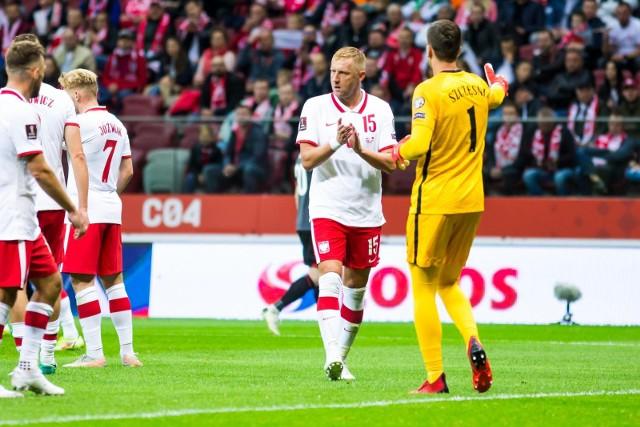 Co można powiedzieć po wygranym 1:0 meczu z Albanią w Tiranie? Po wrześniowym 4:1 w Warszawie cieszyliśmy się z wyniku, ale z gry naszej reprezentacji już mniej. We wtorek wynik był znacznie skromniejszy, za to gra mogła się podobać. No może poza trochę nerwowym początkiem. A na słowa uznania zasłużył przede wszystkim Paulo Sousa. Kto jeszcze?Zobacz kolejne zdjęcia. Przesuwaj zdjęcia w prawo - naciśnij strzałkę lub przycisk NASTĘPNE