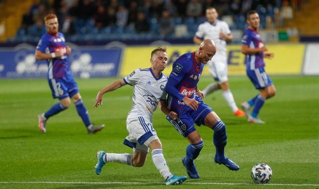 Grzegorz Tomasiewicz (z lewej) piłkarzem PGE Stali Mielec jest od sezonu 2018/2019