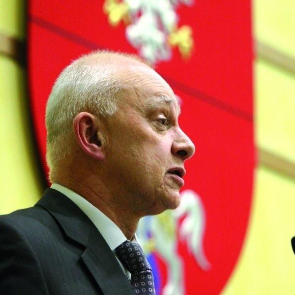Jarosław Dworzański, nowy marszałek województwa podlaskiego. Jemu i Platformie udało się upiec dwie pieczenie. Stworzyli nową koalicję i rozbili PiS.
