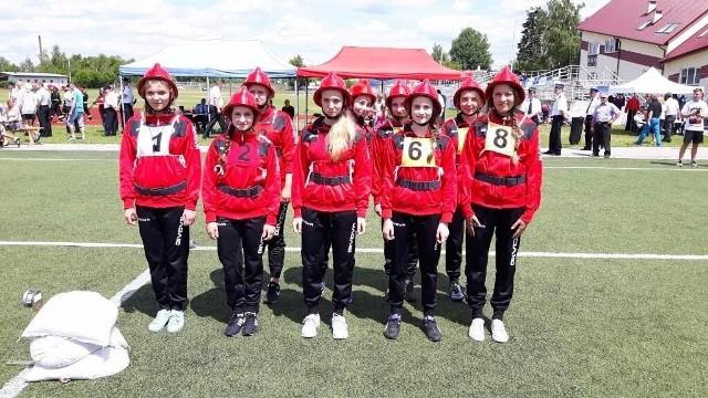Dziewczyny z Młodzieżowej Drużyny Pożarniczej w Mircu zdobyły trzecie miejsce w zawodach wojewódzkich.