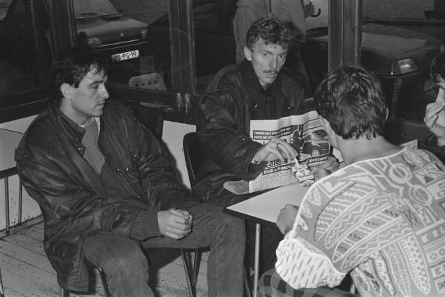 Zbigniew Boniek w Amsterdamie przed meczem eliminacji Euro '88 z Holandią w listopadzie 1986 roku, z lewej bramkarz Jacek Kazimierski