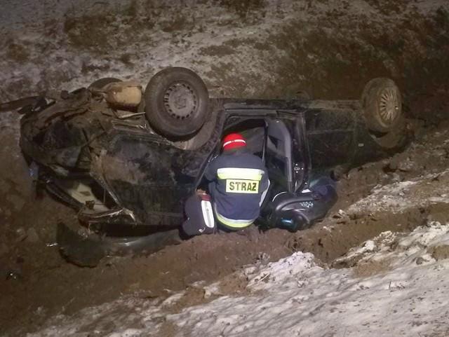 Wypadek na trasie Łosinka - Narew. Kierowca uciekł z miejsca zdarzenia