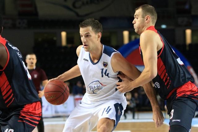 Jure Skifić wyspecjalizował się ostatnio w zbiórkach, średnio ma ich 7 w każdym meczu, najwięcej w zespole.