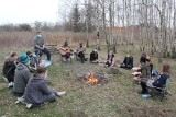 Brzezińscy instruktorzy Związku Harcerstwa Polskiego spotkali się przy ognisku. O czym rozmawiali?