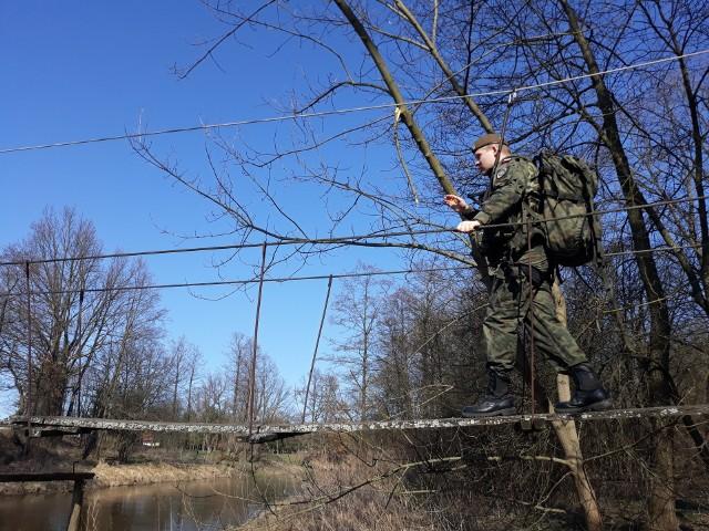 Około 125 żołnierzy 1. kompanii 34. Batalionu Lekkiej Piechoty z Jarosławia, wchodzącego w skład 3. Podkarpackiej Brygady Obrony Terytorialnej wraz ze strażakami z PSP w Jarosławiu, OSP Wiązownica i OSP Manasterz, ćwiczyło reagowanie w sytuacjach kryzysowych.