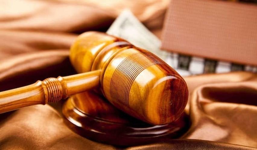 Kobiecie grozi grzywna, areszt lub pozbawienie wolności. O wyborze kary zdecyduje sąd.