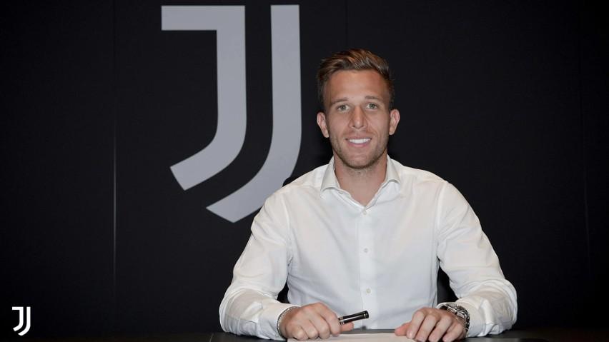 Arthur sprzedany do Juventusu. Pjanić w Barcelonie