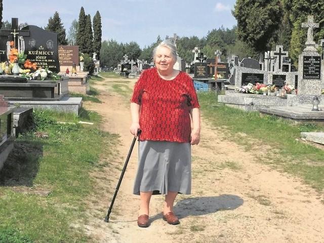 Odwiedzając teraz groby swoich bliskich w Niewodnicy, będę mogła także stanąć przed tablicą z nazwiskiem Stanisława Mingajło - mówi Barbara Szydłowska