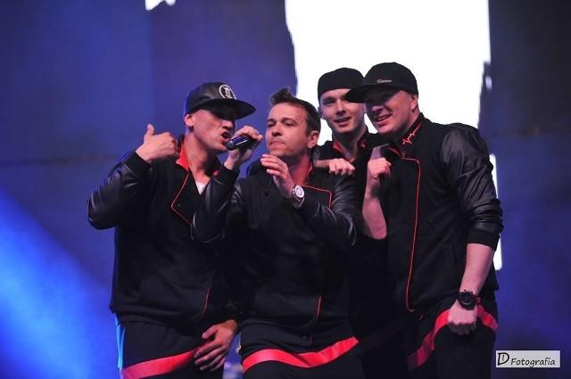 Wśród artystów koncertu Dance & Polo w Sosnowcu pojawili się m.in. Gesek, Mejk, Łobuzy, Exaited, Weekend, Remady & Manu L, Playboys oraz Piękni i Młodzi.