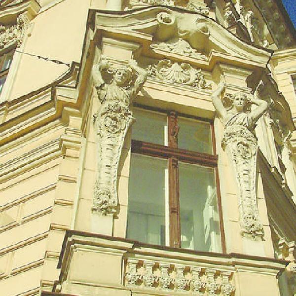 Gdańska 65 - narożnik Cieszkowskiego - tę okazałą kamienicę Święcicki zaprojektował dla siebie