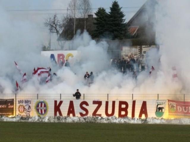W meczu III ligi Pomorze, Kaszubia Kościerzyna zremisowala z Gryfem 95 Slupsk 1:1 (0:1).