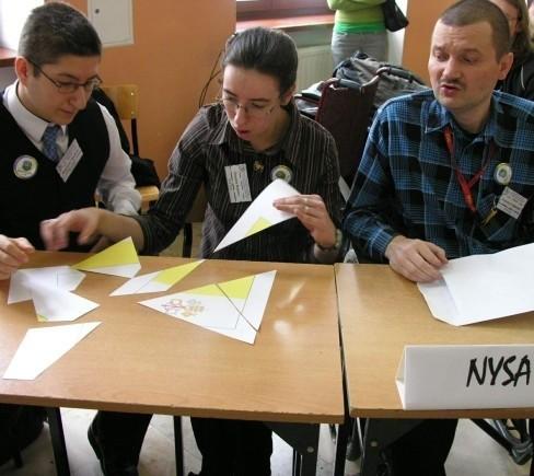 Zwycięska drużyna z Nysy: (od lewej) Wojciech Marków, Joanna Kmita i Ireneusz Gałuszka.