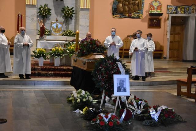 W parafii św. Brata Alberta w Rybniku - Kamieniu odbyła się uroczysta ceremonia pogrzebowa Benedykta Kołodziejczyka.