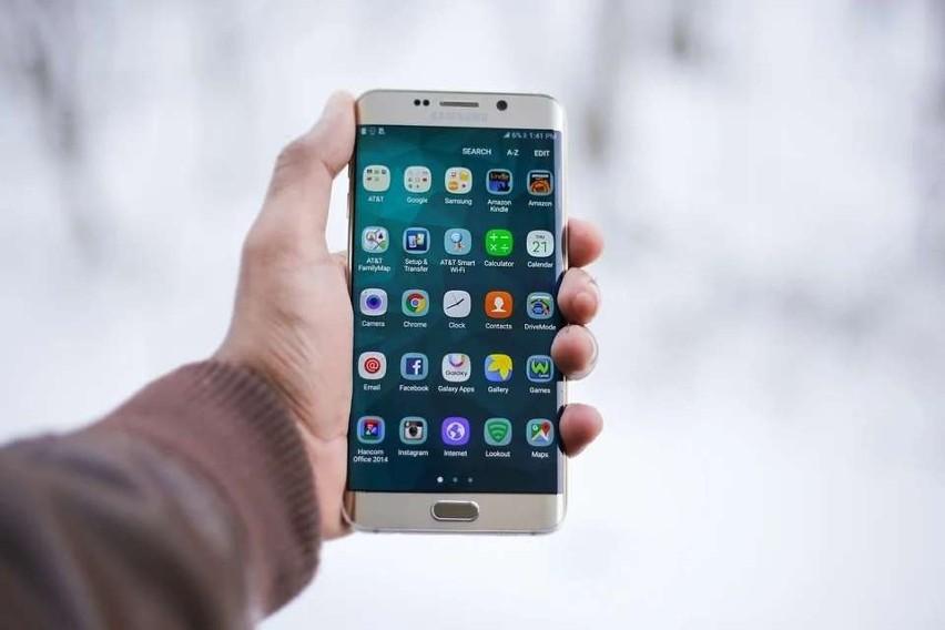 Telefony komórkowe wyposażone są aktualnie w masę aplikacji....