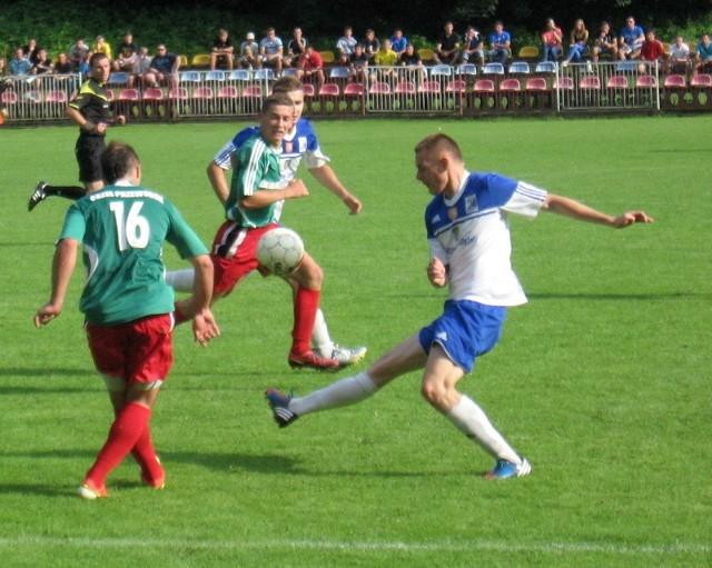 Orzeł (zielone koszulki) w meczu z Tomasovią rozegrał najlepsze spotkanie rundy wiosennej