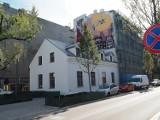 Łódź. Dobiega końca remont kamienicy z przybudówką przy ul. Pomorskiej 11. Będą tam mieszkania, lokale dla biznesu i świetlica ZDJĘCIA