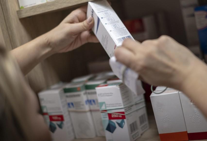 """Po wejściu w życie 'apteki dla aptekarza"""" w małych miejscowościach zamknięto prawie 300 placówek"""